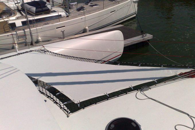 Protection catamaran